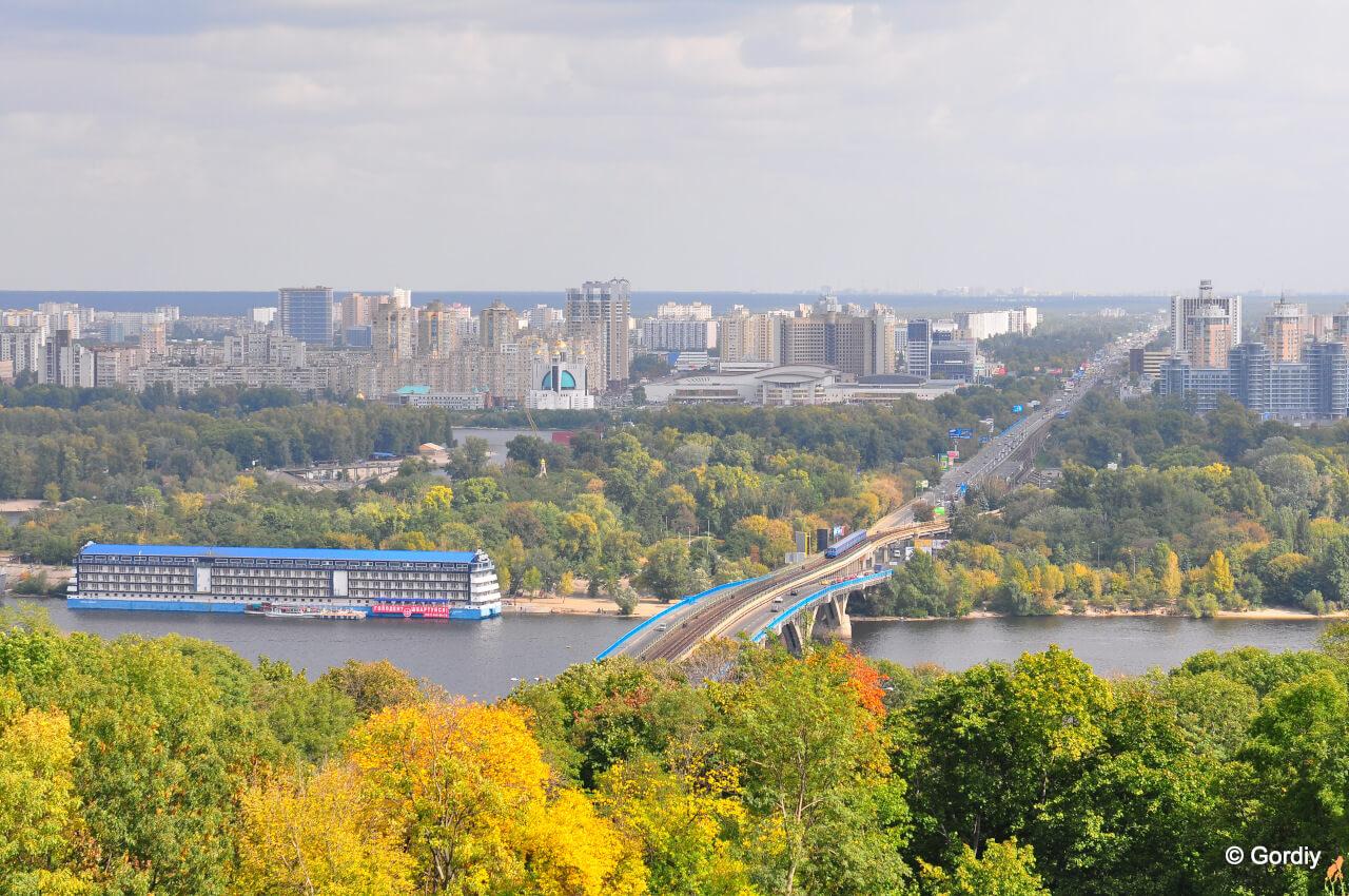 Днепровский район Киева Левобережный массив