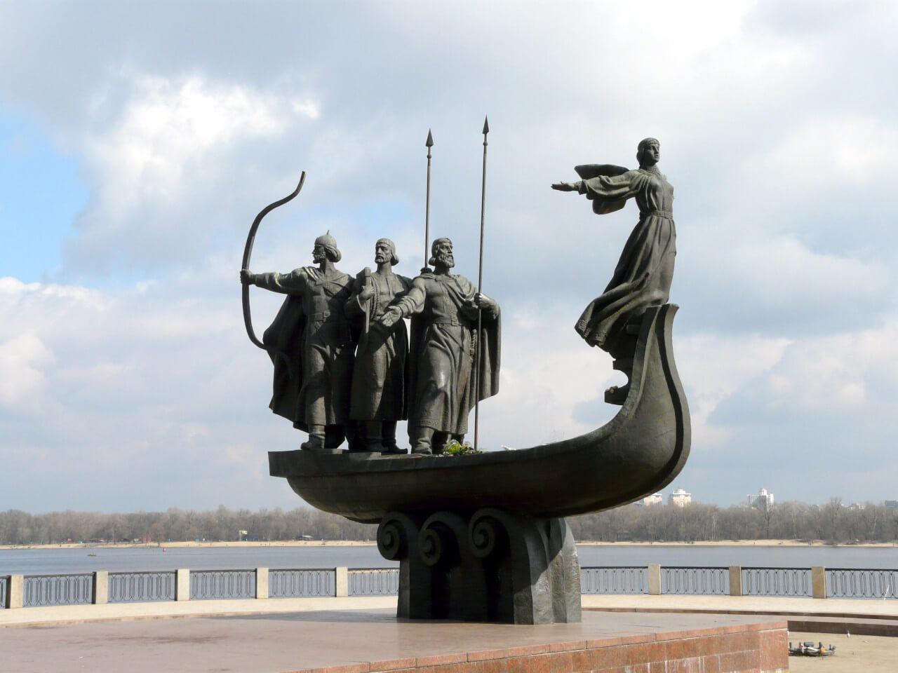 Днепровский район Киева памятник основателям
