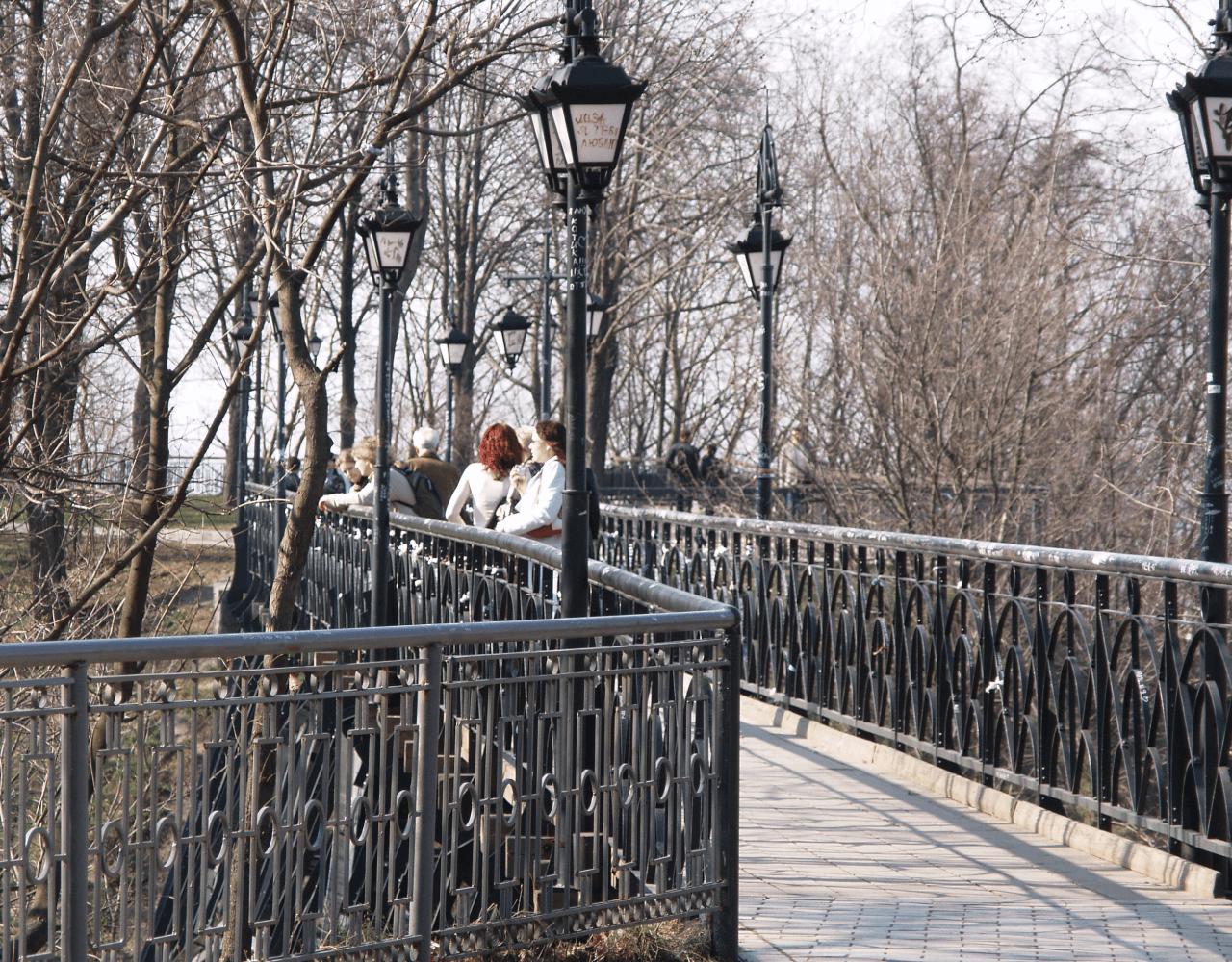 Парковый мост Печерский район Киева